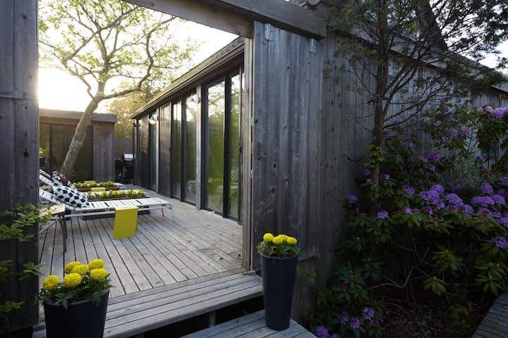 Modernist 1 / private bath - Fire Island Pines - Bed & Breakfast
