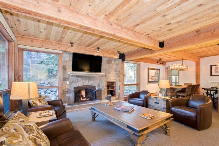 LUXURY~Ski-in/out ~ Top of the Village Trails 109