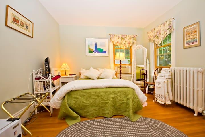A Village B&B - Emily's Room
