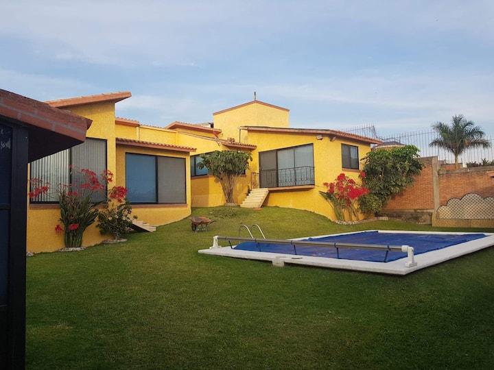 Villa - El Paraíso.