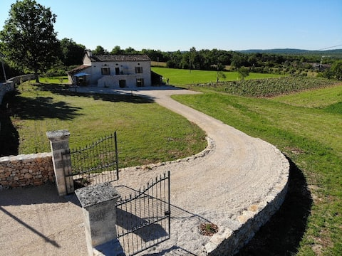Stay in the Heart of Quercy
