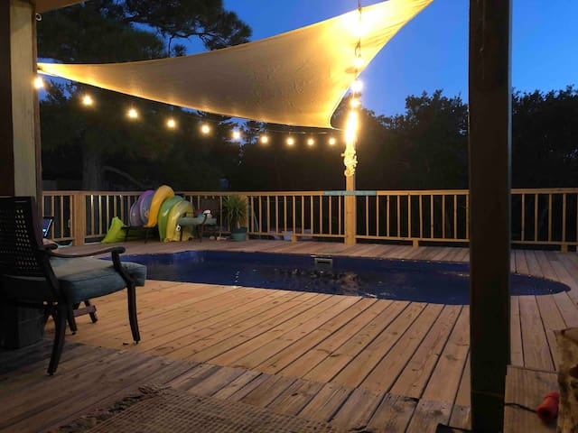Fort Morgan - Private Room $60 Pool & Beach