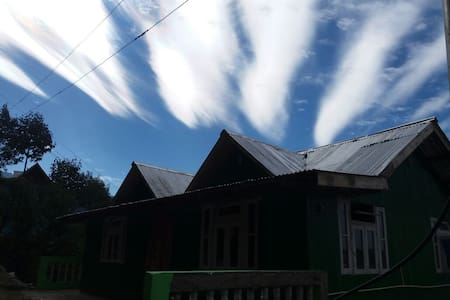 Padamchen Nirvana Gurung Homestay(with All Meals)