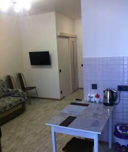 2-комн. квартира в Адлере - Верхне-Имеретинская Бухта - Appartamento