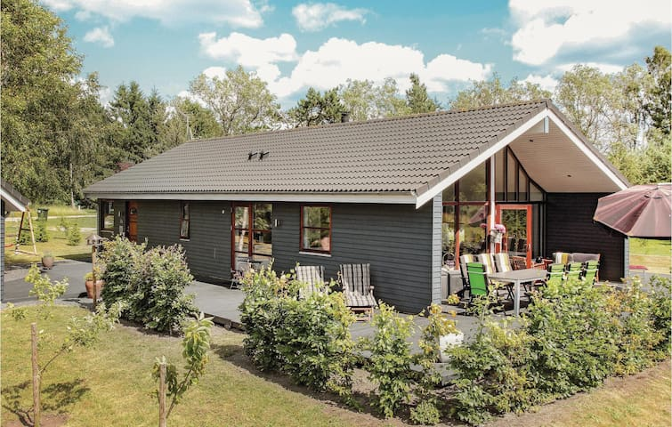 Holiday cottage with 3 bedrooms on 123m² in Ebeltoft