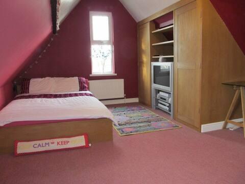 Comfortable Private Room 1