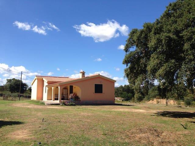 Bilocale vicino S.Teodoro - Ovilò - Rumah