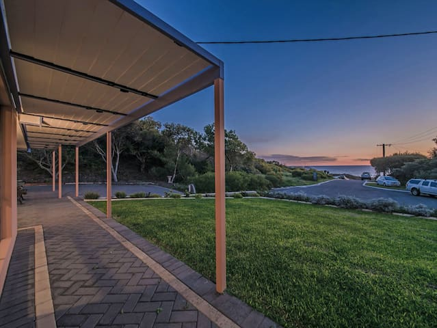 LAURANCE REEF - QUIET SEA VIEW GETAWAY - Yanchep