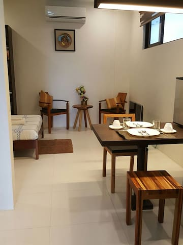 Classy Studio in the City - Bacolod - Apartment