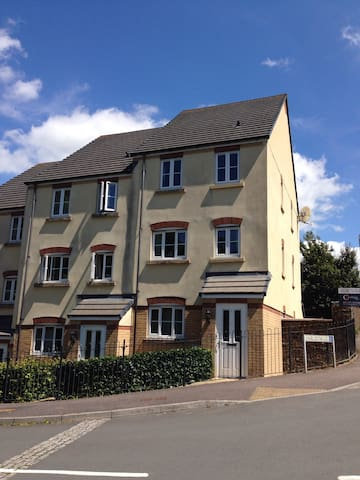 Parkview 3 Bed Maisonette in Sunny Devon