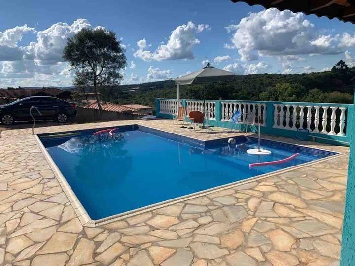 Chácara com piscina em condomínio fechado -Ibiuna