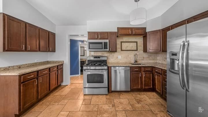 Nicely Updated 4-Bedroom House Near Chicago!