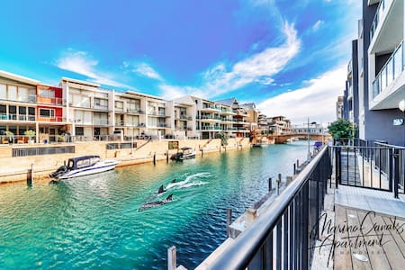 Marina Canals Apartment Mandurah Dolphin Views