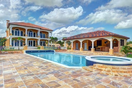 Luxurious OceanFront Palatial Estate -