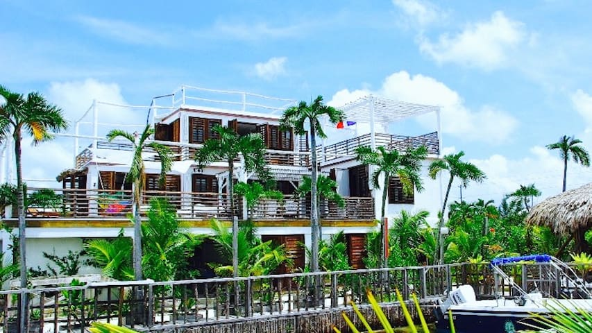 BamBoo House: The Ultimate Belizean Experience