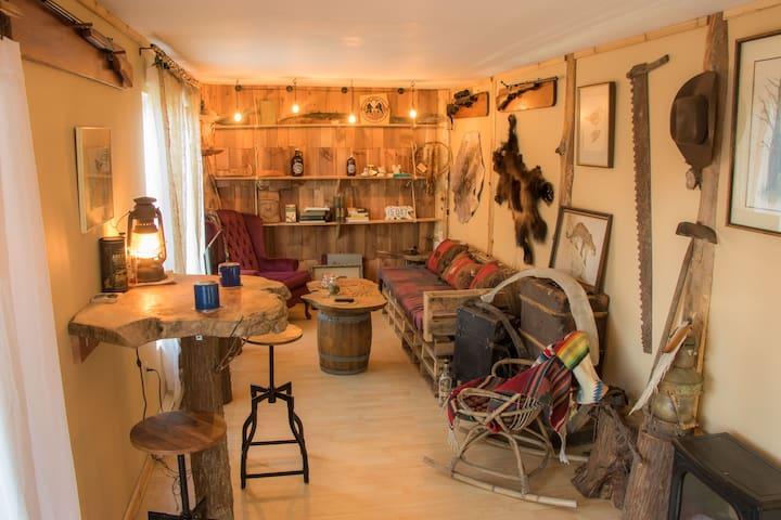 Rustic Barn Suite & Bird Sanctuary