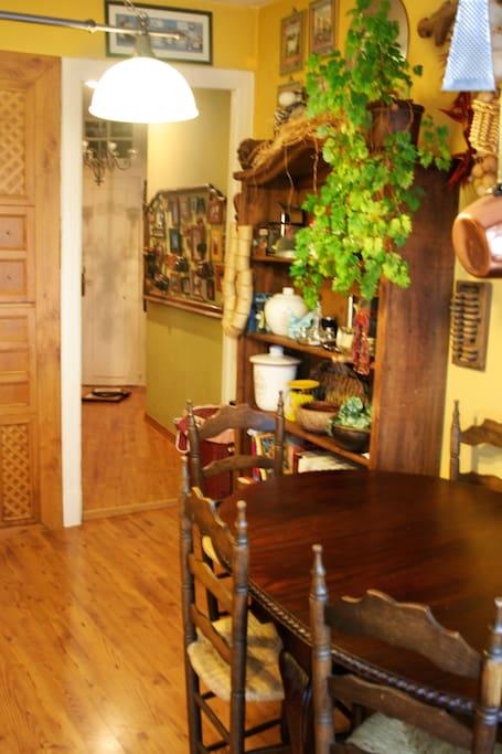 Vista de la cocina desde la galería.