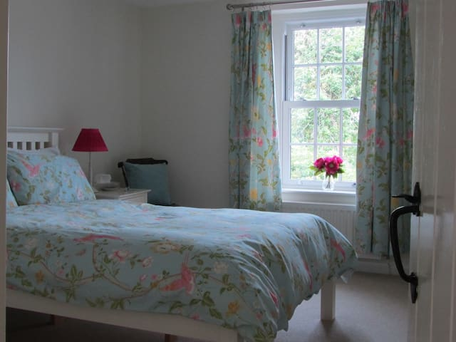 Lovely room in cosy Solway cottage
