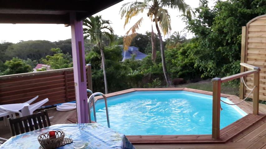 Piscine privée à Coeur Caraibes