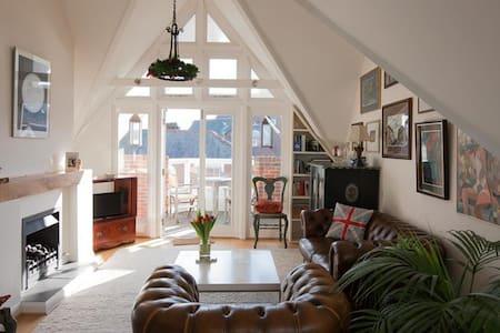 2 Storey Apartment in Lymington - Lymington