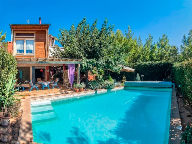 MANINA Chalet villa with pool - Private