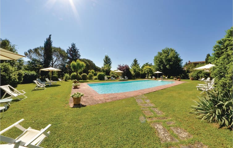 Holiday apartment with 2 bedrooms on 68 m² in Cortona AR