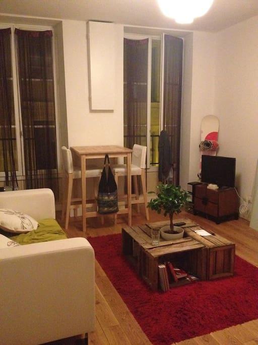 Joli et agr able t2 bordeaux centre appartements louer for Louer t2 bordeaux