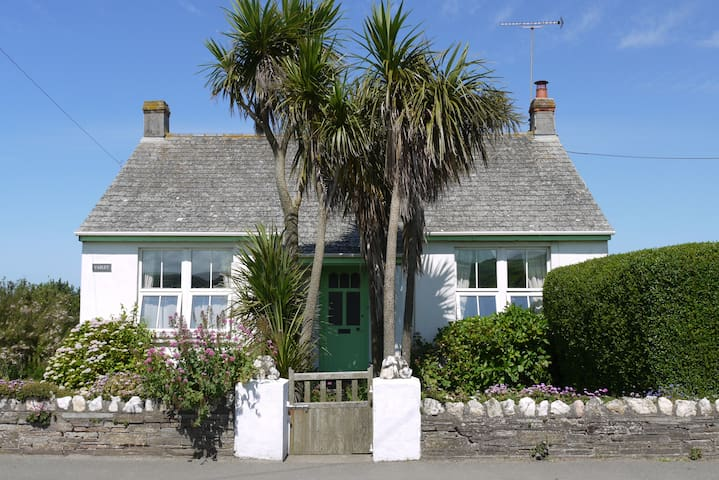 Varley cottage near coastal path