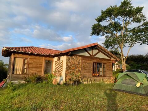 Casa de Campo entre Marinilla - Rionegro