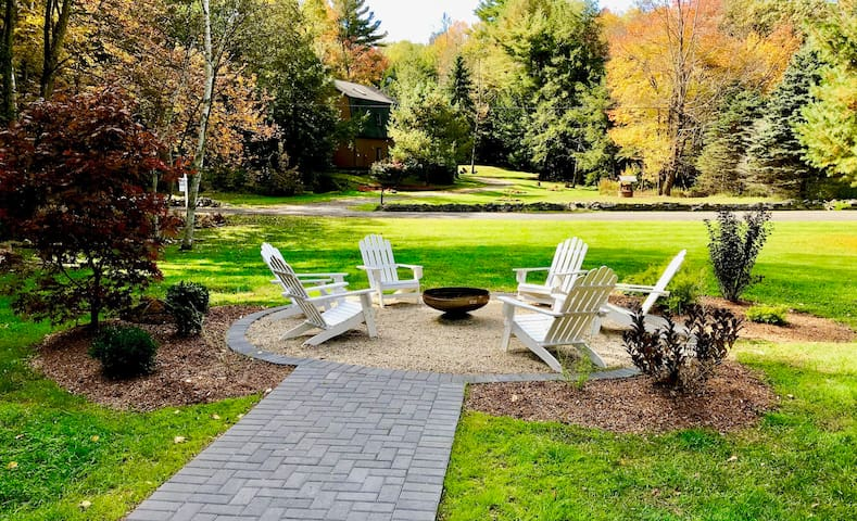 Berkshires' Silverlining Summit
