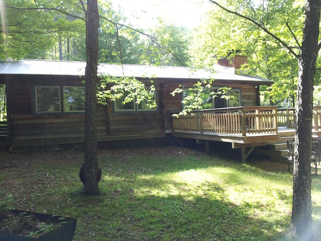 Cozy Log Cabin - Warren - Maison