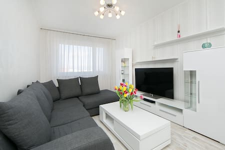 Great apartment within 12 minutes to downtown - Tallinn - Flat
