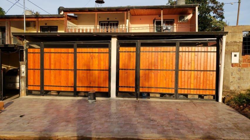 Departamento dúplex independiente con garage