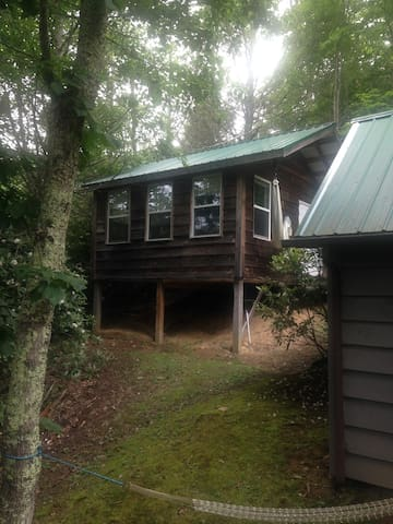 Craft cabin in the woods - Boone