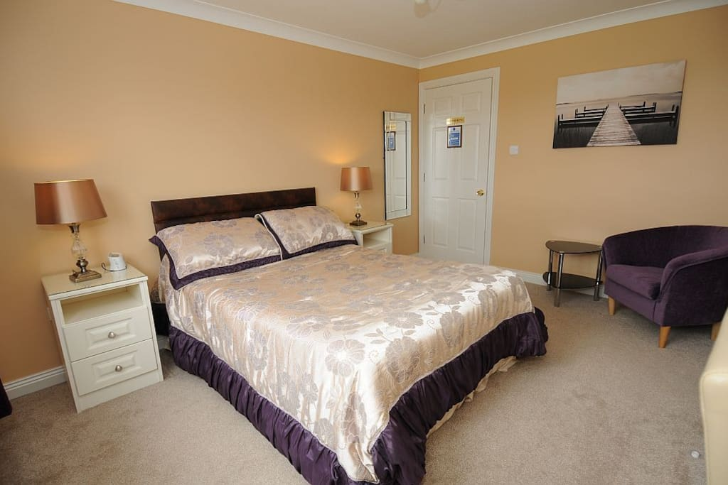 """Mayflower"" Double room with Orthopaedic Bed, Power Shower and fantastic views over our back garden and Keeperhill"