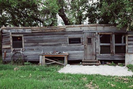 Cozy Creekside Trailer - Longmont