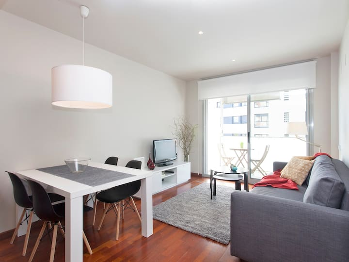 NEW APARTMENT, NEAR TO THE BEACH WITH PARKING