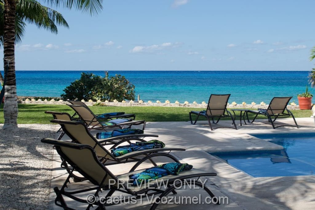 Amazing ocean view front the pool deck