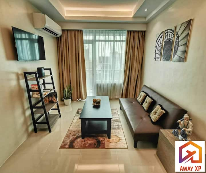 Fully furnished deluxe 1bedroom condo