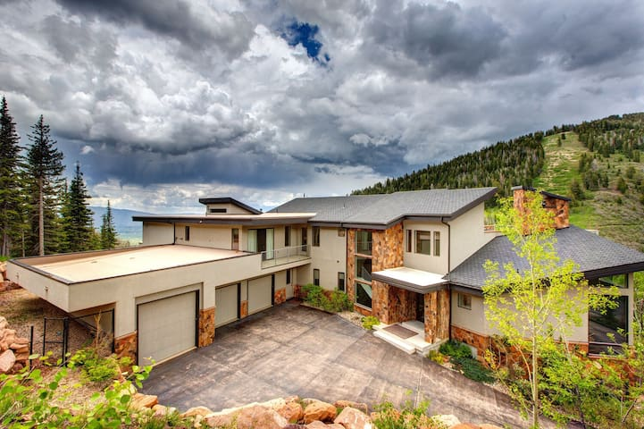Completely Remodeled Ski-in, Ski-out Estate in the Exclusive Colony Gated Community