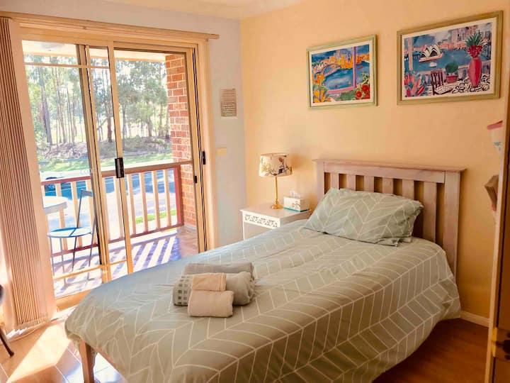 Townhouse  Cozy 1 bedroom with veranda