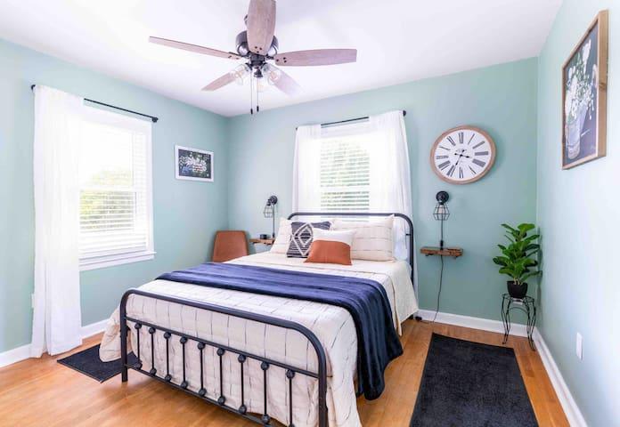 Bedroom #2- Queen bed with cooling memory foam mattress