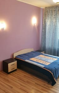 Уютная квартира 3 спальни- парковка - Белгород - Apartemen
