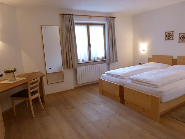 Double room Ciasa Roenn - Dolomites