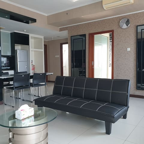 Penthouse suite just 5mins walk to Pakuwon Mall