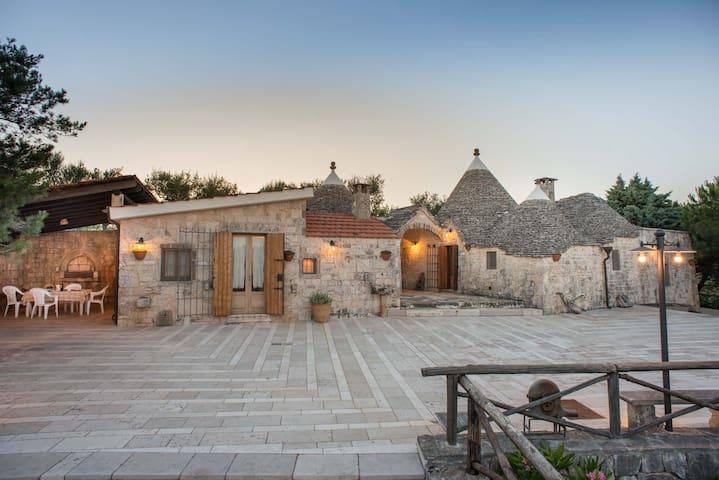 TrulliBoscoSelva-Trullo Titania+piscina - Alberobello - Casa