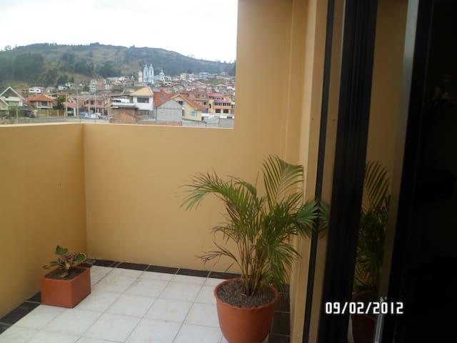 Hot springs @ Baños Cuenca. - Baños, Cuenca - Huoneisto