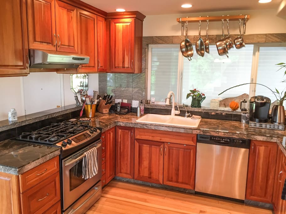 Full kitchen that you're welcome to use, with gas burners.