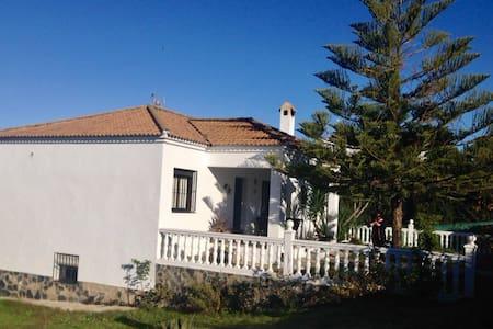 Casa de campo - Castilblanco de los Arroyos
