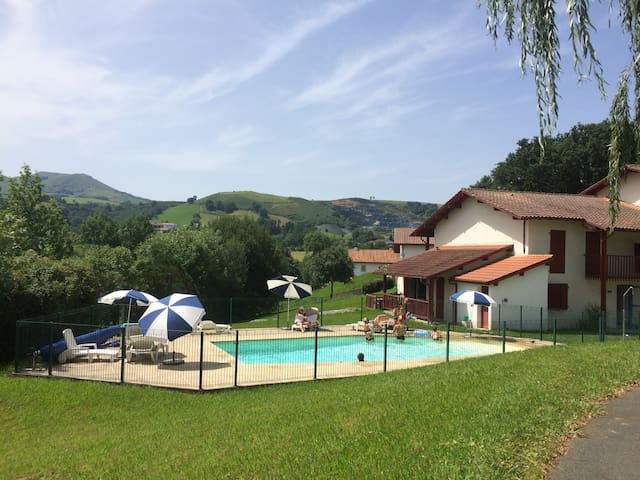 T3 in holiday residence in the heart of the Basque Country